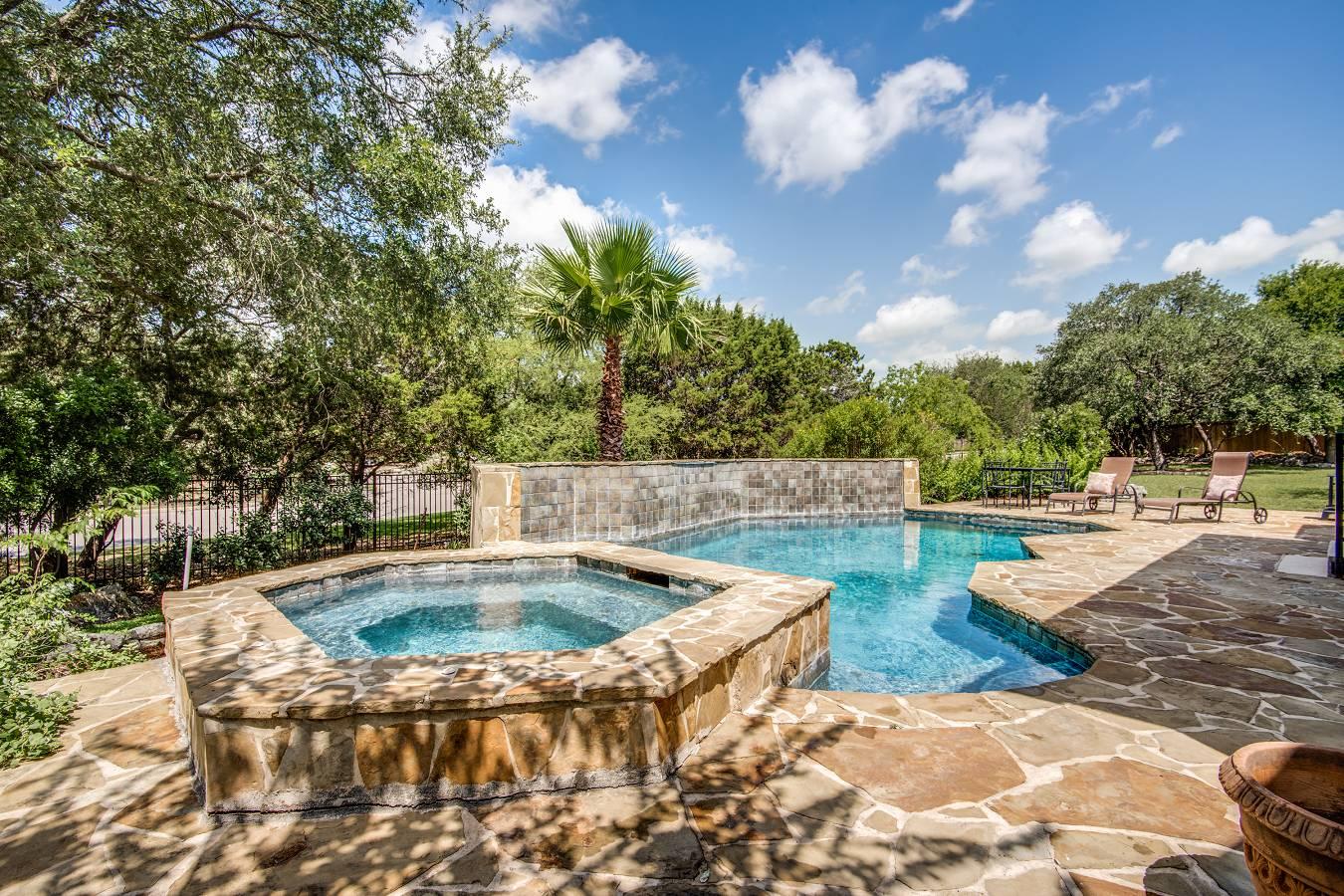 Paradise Pool Spa Trail Bc
